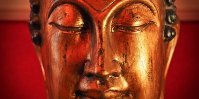 buddha with red background